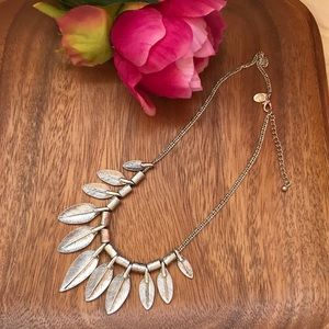Silver leaf vintage style necklace